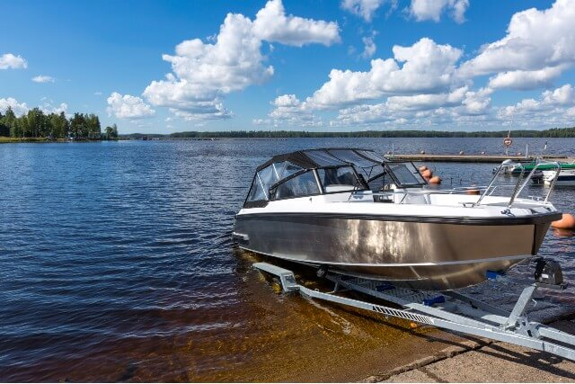 backing boat down launch ramp